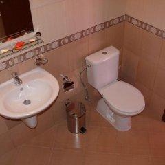 Отель Family Hotel Balkana Болгария, Боженци - отзывы, цены и фото номеров - забронировать отель Family Hotel Balkana онлайн ванная