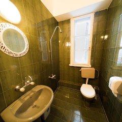 Отель Italian House Rooms Болгария, София - отзывы, цены и фото номеров - забронировать отель Italian House Rooms онлайн ванная