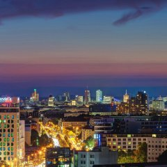 Отель Vienna House Andel´s Berlin Германия, Берлин - 8 отзывов об отеле, цены и фото номеров - забронировать отель Vienna House Andel´s Berlin онлайн балкон