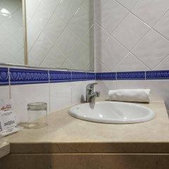 Отель Acta Antibes Барселона ванная фото 2