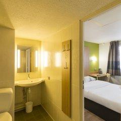 Отель B&B Hôtel Auxerre Bourgogne ванная фото 2