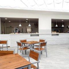 Отель Sol Mirlos Tordos - Все включено гостиничный бар