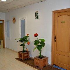 Отель Pensión Ayuntamiento Испания, Аликанте - отзывы, цены и фото номеров - забронировать отель Pensión Ayuntamiento онлайн интерьер отеля