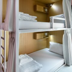 Travelier Hostel Бангкок комната для гостей