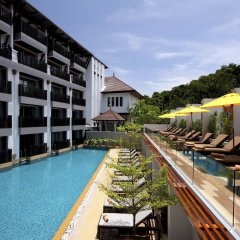 Отель Buri Tara Resort бассейн