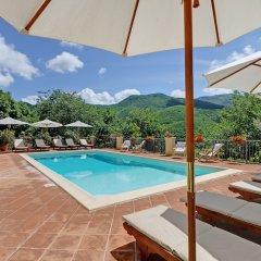 Отель Borgo Acquaiura Сполето бассейн