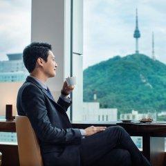 Отель Courtyard by Marriott Seoul Namdaemun Южная Корея, Сеул - отзывы, цены и фото номеров - забронировать отель Courtyard by Marriott Seoul Namdaemun онлайн балкон