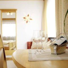 Отель Alpenhotel Laurin Австрия, Хохгургль - отзывы, цены и фото номеров - забронировать отель Alpenhotel Laurin онлайн комната для гостей
