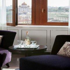 Гостиница Four Seasons Hotel Moscow в Москве 2 отзыва об отеле, цены и фото номеров - забронировать гостиницу Four Seasons Hotel Moscow онлайн Москва в номере