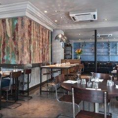 Отель Le Robinet dOr гостиничный бар