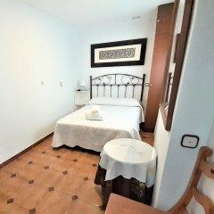 Отель Hostal Kokkola Испания, Фуэнхирола - отзывы, цены и фото номеров - забронировать отель Hostal Kokkola онлайн комната для гостей фото 3