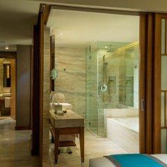 Отель InterContinental Nha Trang Вьетнам, Нячанг - 3 отзыва об отеле, цены и фото номеров - забронировать отель InterContinental Nha Trang онлайн комната для гостей фото 3