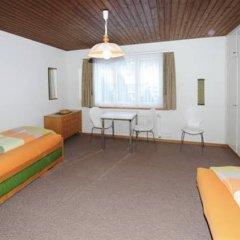 Отель Haus Pyrola Швейцария, Давос - отзывы, цены и фото номеров - забронировать отель Haus Pyrola онлайн комната для гостей фото 3