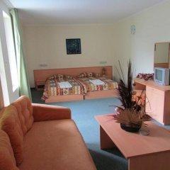 Отель Family Hotel Aurelia Болгария, Солнечный берег - отзывы, цены и фото номеров - забронировать отель Family Hotel Aurelia онлайн питание фото 3