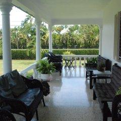 Отель Eslyn Villa Ямайка, Ранавей-Бей - отзывы, цены и фото номеров - забронировать отель Eslyn Villa онлайн интерьер отеля