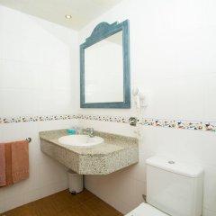 Отель Aparthotel Cabau Aquasol Испания, Пальманова - 1 отзыв об отеле, цены и фото номеров - забронировать отель Aparthotel Cabau Aquasol онлайн ванная