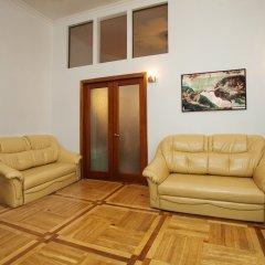 Гостиница Renaissance Suites Odessa комната для гостей фото 4