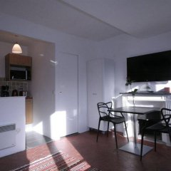 Апартаменты My Apartment in Paris Louvre комната для гостей фото 3