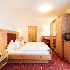 Hotel Haus an der Luck Барбьяно сейф в номере