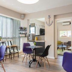 Gordon Inn & Suites Израиль, Тель-Авив - 6 отзывов об отеле, цены и фото номеров - забронировать отель Gordon Inn & Suites онлайн гостиничный бар
