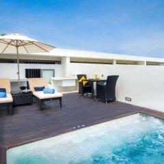 Отель Relax @ Twin Sands Resort and Spa бассейн фото 3