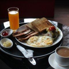 Отель Travellers Dorm Bed & Breakfast Непал, Катманду - отзывы, цены и фото номеров - забронировать отель Travellers Dorm Bed & Breakfast онлайн питание фото 2