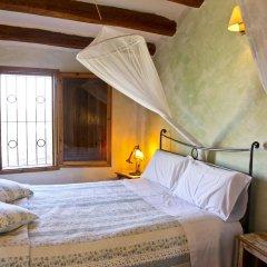 Отель Arianella B&B Penedes сейф в номере