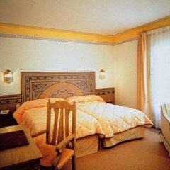 Отель Maciá Alfaros сейф в номере