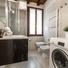 Отель Venetian Exclusive Apartment R&R Италия, Венеция - отзывы, цены и фото номеров - забронировать отель Venetian Exclusive Apartment R&R онлайн ванная фото 2