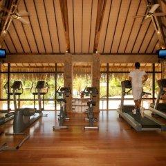 Отель Le Taha'a Island Resort & Spa фитнесс-зал