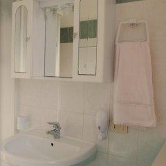 Отель Doris Villa D'amare Италия, Капачи - отзывы, цены и фото номеров - забронировать отель Doris Villa D'amare онлайн ванная