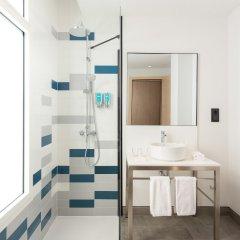 Отель Aloft Madrid Gran Via ванная фото 2