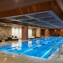 Отель Sheraton Grande Walkerhill бассейн