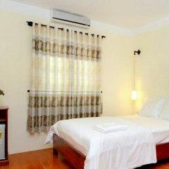 Отель Hop Y Homestay Хойан комната для гостей