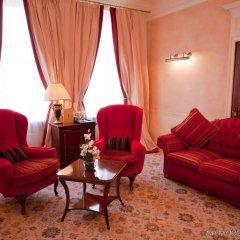 Опера Отель комната для гостей
