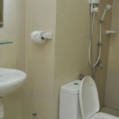 Отель 1 Borneo Tower B Service Condominiums ванная
