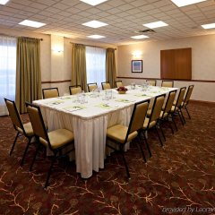 Отель Country Inn & Suites by Radisson, Calgary-Airport, AB Канада, Калгари - отзывы, цены и фото номеров - забронировать отель Country Inn & Suites by Radisson, Calgary-Airport, AB онлайн помещение для мероприятий