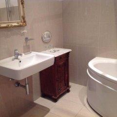 Отель Small Luxury Palace Residence Чехия, Прага - отзывы, цены и фото номеров - забронировать отель Small Luxury Palace Residence онлайн ванная