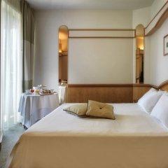 Hotel Ambasciatori Римини комната для гостей