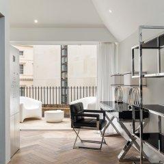 Отель Incredible 6 Storey 4 bed Luxury House in St James Лондон балкон