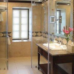 Отель Vivanta Ambassador, New Delhi Индия, Нью-Дели - отзывы, цены и фото номеров - забронировать отель Vivanta Ambassador, New Delhi онлайн ванная фото 2