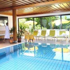 Hotel Weger Тироло бассейн