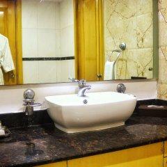 Отель Dee Marks Hotel & Resorts Индия, Нью-Дели - отзывы, цены и фото номеров - забронировать отель Dee Marks Hotel & Resorts онлайн ванная фото 2