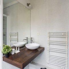 Апартаменты Le Marais - Place des Vosges Apartment ванная фото 2