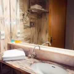 Отель Apollonia Hotel Apartments Греция, Вари-Вула-Вулиагмени - 1 отзыв об отеле, цены и фото номеров - забронировать отель Apollonia Hotel Apartments онлайн ванная