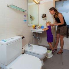Отель Blau Punta Reina Resort ванная фото 2