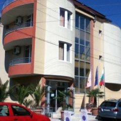 Отель Family Hotel Deja Vu Болгария, Равда - отзывы, цены и фото номеров - забронировать отель Family Hotel Deja Vu онлайн парковка