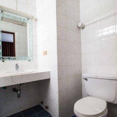 Отель Ruamchitt Travelodge Бангкок ванная