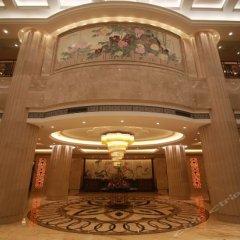 Отель Ramada интерьер отеля фото 2