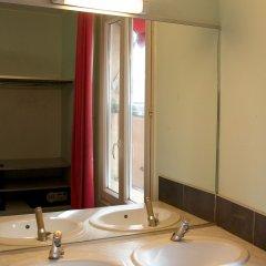 Отель Auberge Internationale des Jeunes ванная фото 2
